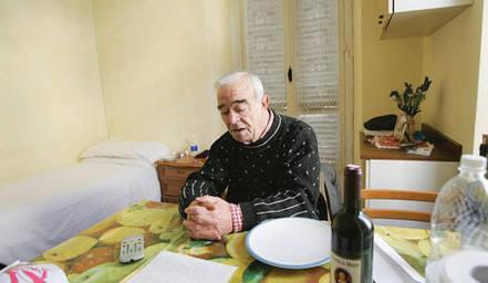 Gi distribuiti aiuti agli anziani poveri e soli - Specchio dei tempi offerte ...