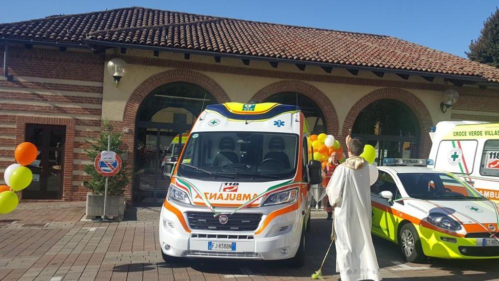 La stampa un ambulanza per la croce verde specchio dei tempi - La stampa specchio ...