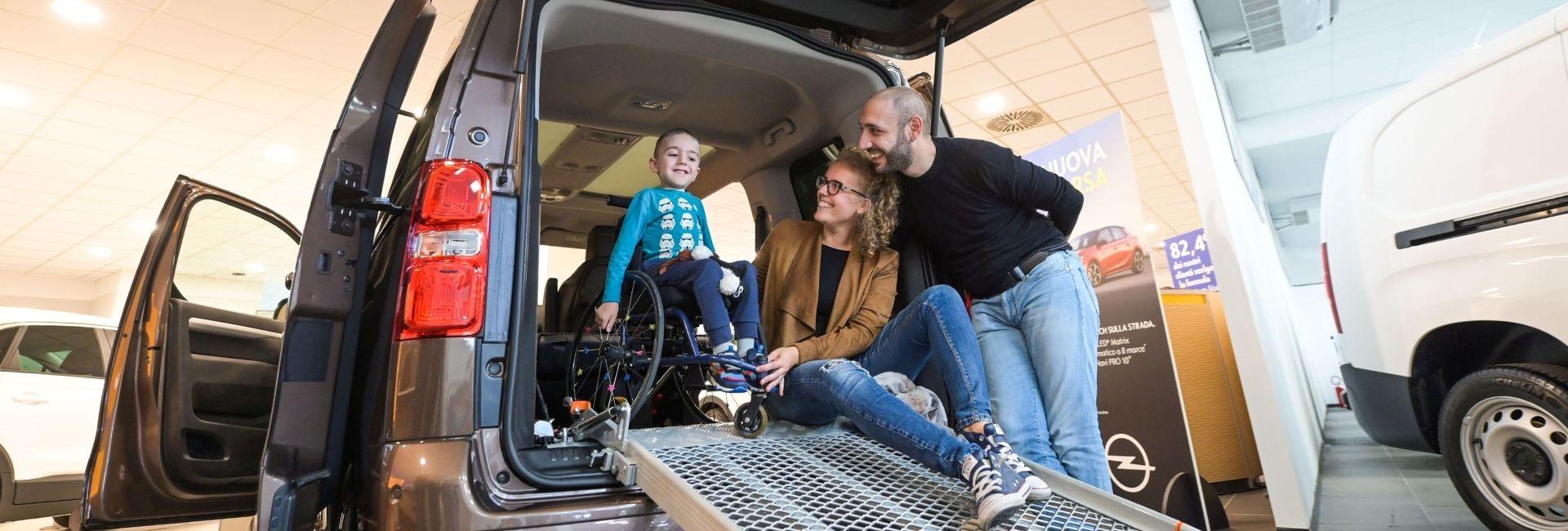 Un furgone per Francesco
